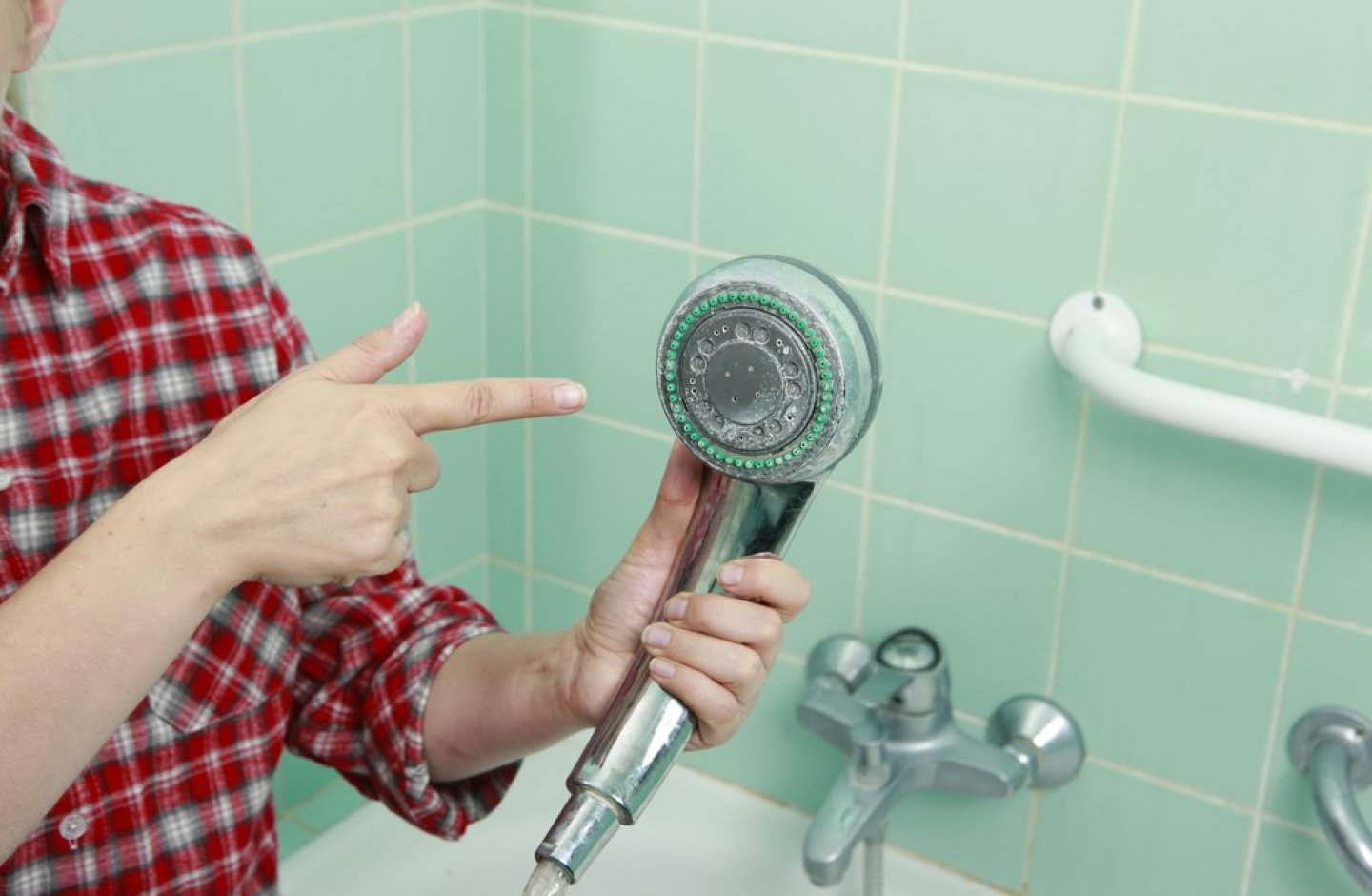 Affect of hard water on shower faucets in Florida homes